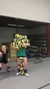 Volleybalvereniging Thriantha-Baluitdaging-Hoeveel volleyballen kan een speler zonder hulpmiddelen dragen.2017